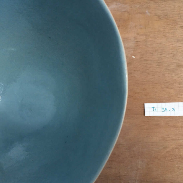 middle saladier from stoneware