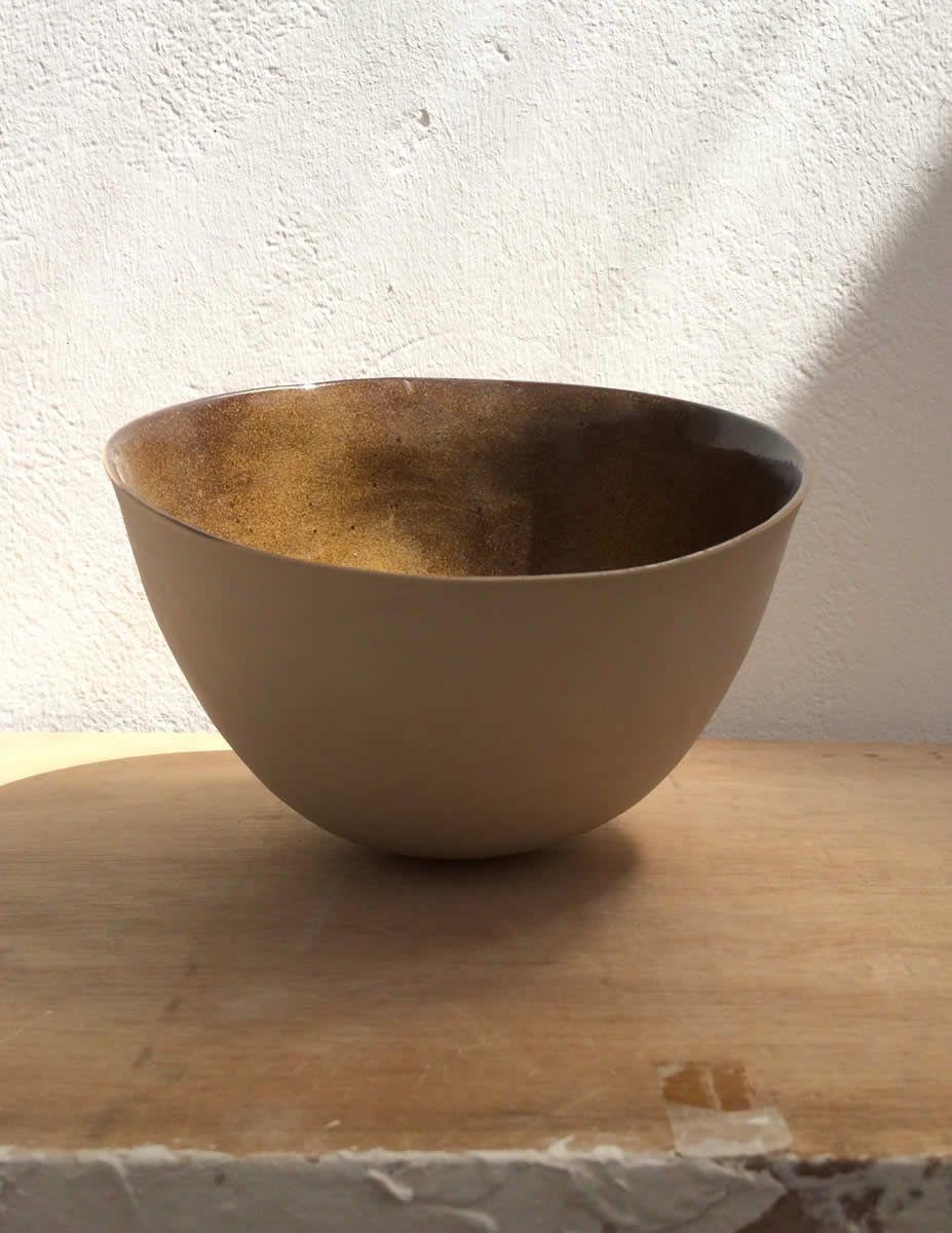 small saladier from stoneware